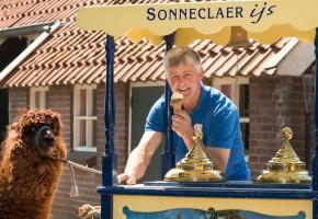 kinderfeestje op de boerderij, FarmCAmps kinderfeestje, FarmCamps boerderij feestje, boerderijfeestje Drenthe, vier je feestje op de boerderij, slapen in een safaritent op je kinderfeestje